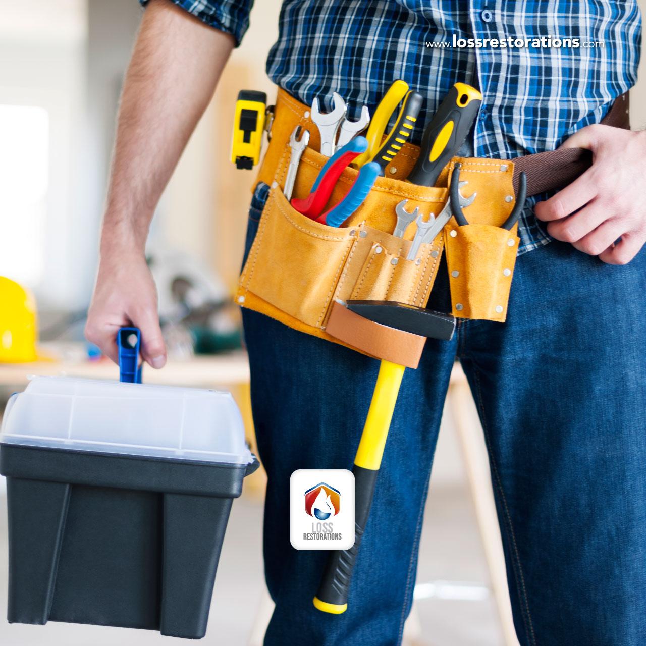 Instrumentos para reparar paredes y pisos motivo de la humedad